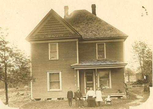 McMenus Home Phillipsburg, MO