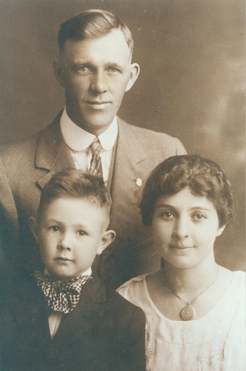 Walter E. Marlin Family 1918, Ray Marlin, Dulcie Marlin