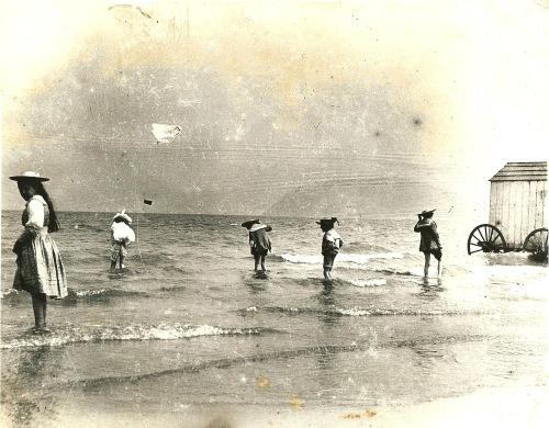 Irish bathers, bathing costumes, Ireland, photography, Irish beach