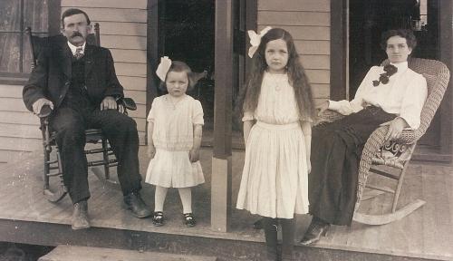John McMenus Family Phillipsburg, Missouri