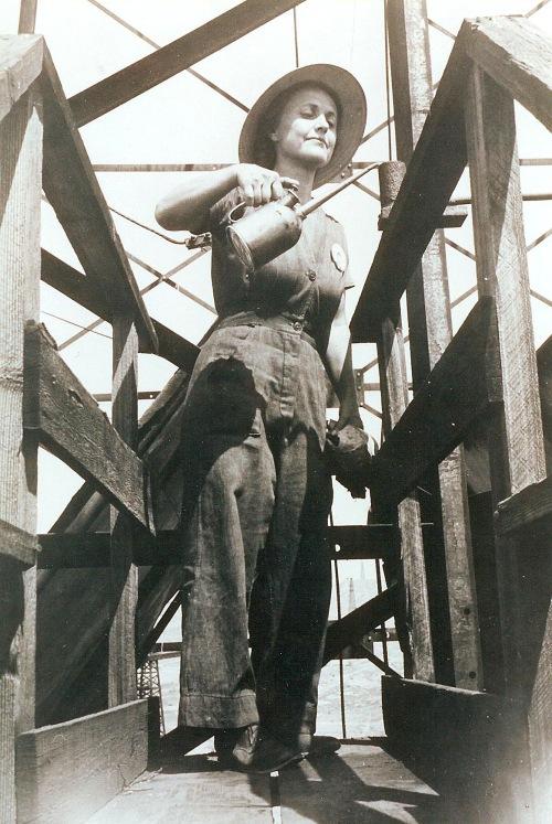 WWII, World War II, Mabel SHank Carlisle, Shank, Taft California, Taft Oil Fields
